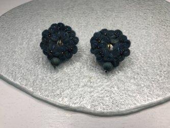 雪の花のリースイヤリングの画像