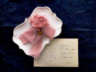 プチブーケのコサージュ ■ ブートニア ■ ピンクの画像
