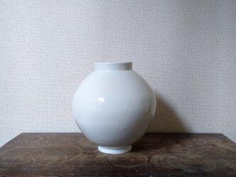 白磁 壺の画像