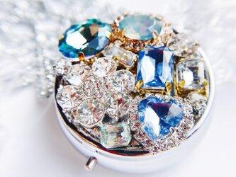baby blue キラキラ宝石のコンパクトピルケース クリスマス の画像