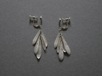 small leaves earring Silver925の画像