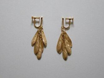 small leaves earring K18goldplateの画像