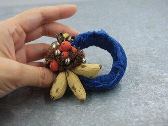 リースブローチ・鼠とバナナの画像