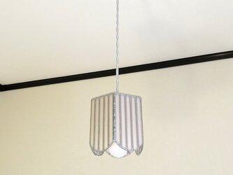 ペールピンクのストライプ・ペンタゴン(ステンドグラスペンダントライト)吊り下げ照明・ガラス  Mサイズの画像