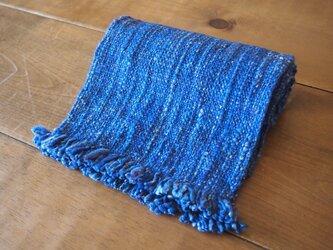 手紡ぎのマフラー(青・平織)の画像