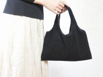 ふかふかハンドバッグ 黒の画像
