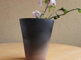 【一点もの】グラデーションが美しい備前焼の花瓶(黒)の画像