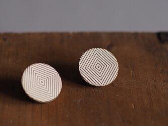 革製丸型ピアス(チタン製金具)径24mmの画像