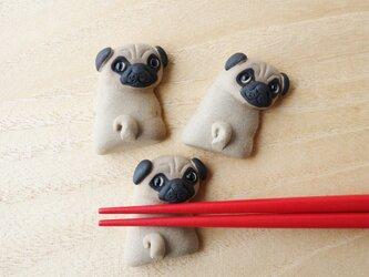パグ犬の箸置きの画像