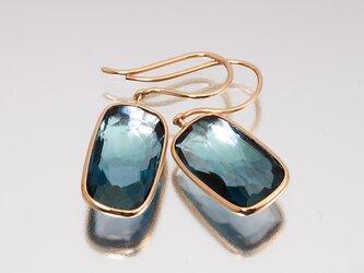 Frame earrings / London blue topazの画像
