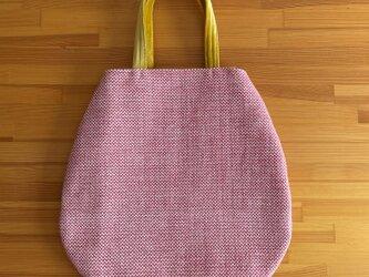 am364 ピンクと黄色のバッグの画像