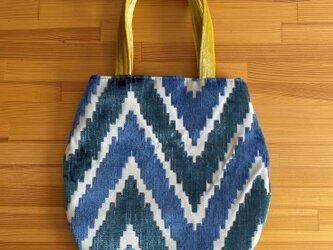 am365 孔雀色と黄色のバッグの画像