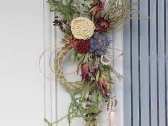 (再販)芍薬とリューカデンドロンのお正月リースの画像