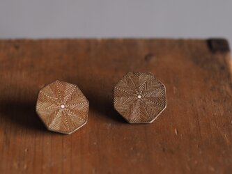 革製八角形型ピアス(チタン製金具)26x26mmの画像