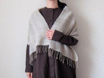 手紡ぎ・手織り 隠しストライプのヘリンボーン柄ミニストールの画像