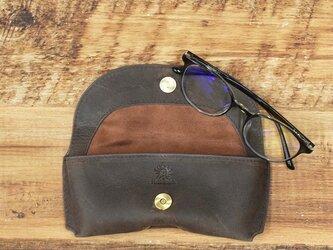 メガネケース しっとりとした質感 シャープなフォルム 牛革 本革 ギフト 名入れ可 【ブラウン】HAK046の画像
