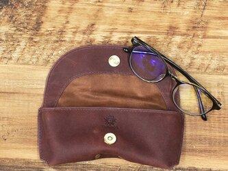 メガネケース しっとりとした質感 シャープなフォルム 牛革 本革 ギフト 名入れ可 【ワインレッド】HAK046の画像