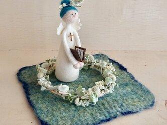 リースの中の天使/青い髪の画像