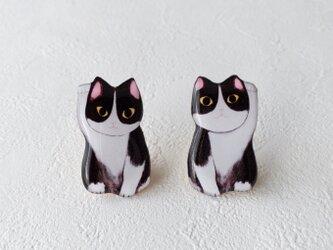 招き仔猫弟のブローチ(左手ニャン)の画像