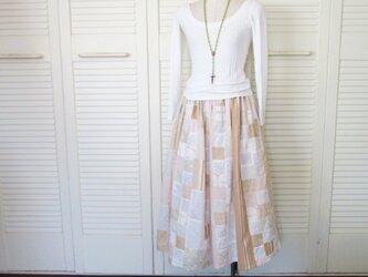 絵画なパッチワーク ふんわりギャザースカート ストライプ 花 リネン コットンの画像