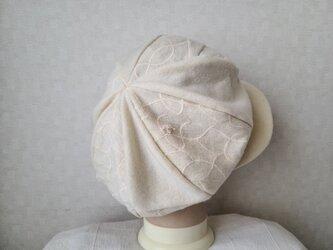 魅せる帽子☆新色!輝く冬の白♪ふわもこ大きめキャスケット~オフホワイトの画像