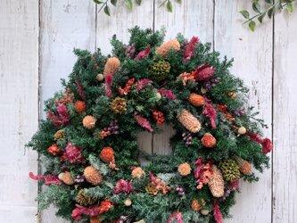 ガーリーでナチュラルなリース クリスマス プレゼント 玄関リース 記念日 ご結婚祝いの画像