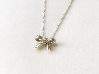 【SV925】小さなリボンのネックレスの画像