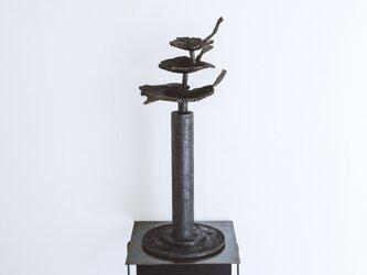 葉は飛ぶ(彫刻)2の画像