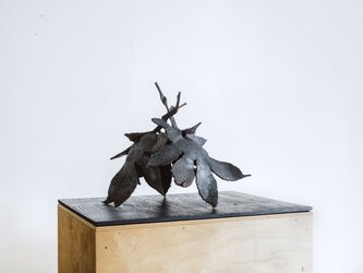 葉は飛ぶ(彫刻)3の画像