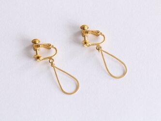 凛とした雫の真鍮イヤリング(gold)の画像