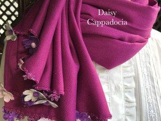 刺繍のお花つき パシュミナストール「デイジー」ローズパープルの画像