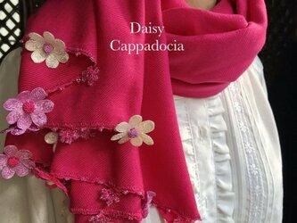 刺繍のお花つき パシュミナストール「デイジー」パッションピンクの画像