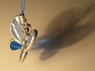 羽ばたく蝶のキーホルダー(ホライズン&ロイヤルブルー)の画像