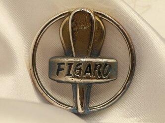 FIGAROエンブレムキーホルダー高級希少金属コバルト製 車バイクエンブレムシリーズの画像