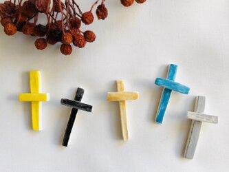 十字架のブローチの画像