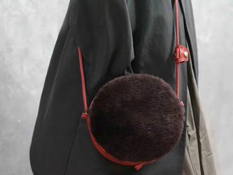 送料無料○ma-ruポシェット#贅沢ふかふかムートン×ITALY革コンビ:2WAY機能ポシェット◎内装キーホルダー付きの画像