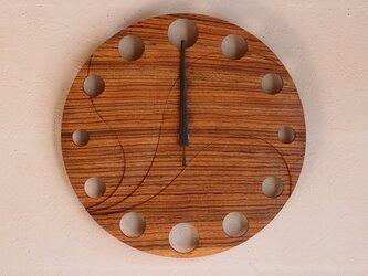 無垢の木の電波掛け時計 ゼブラウッド 0002の画像
