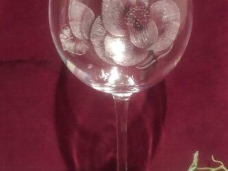 椿のワイングラス②〜手彫りガラス〜の画像