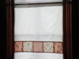 ホワイトコットン♪パッチワークカフェカーテン 横46cm×縦58cmの画像