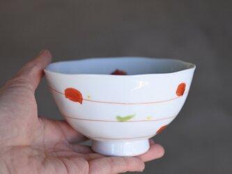 ゆらり点つなぎ 赤絵のお茶碗(中)の画像