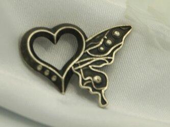 ハートと蝶のモチーフ ペンダントトップ SV925製の画像