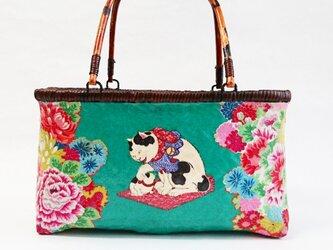 """一閑張りバッグ  """"花と猫  中""""  浮世絵仕上げ の画像"""