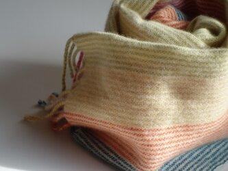 手織りカシミアマフラー・・パステルのしましまの画像
