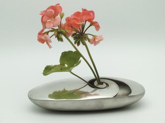 錫製 花器の画像