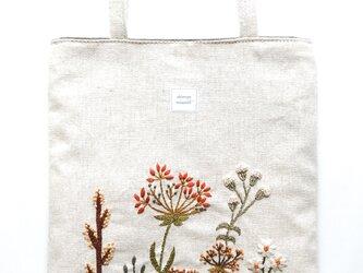 shimontowasamo/植物の彩り刺繍トートバッグ 【受注制作】の画像