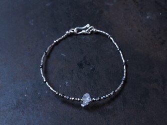 ハーキマーダイヤモンド・テラヘルツとカレンシルバーのブレスレットの画像