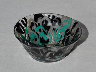 三彩のガラス碗の画像