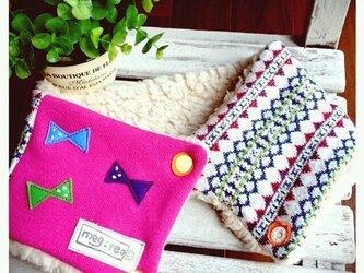 カラフルリボンのネックウォーマー 幾何学×ピンクの画像