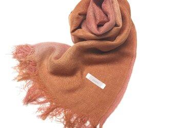 国産シルク100%手描き染めストール 薄紅&橙色の画像