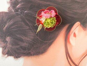 和風♡つまみ細工(ピンク)と水引(赤)のお花クリップ:B 1点  の画像
